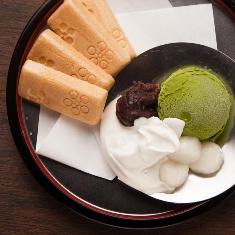 北海道 小豆の宇治抹茶アイス最中