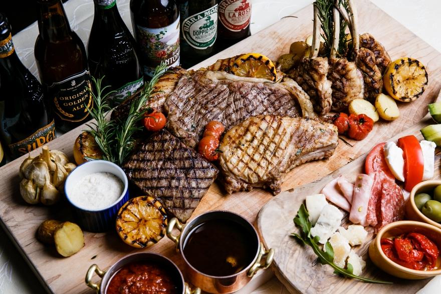 オリジナルビールとグリル肉5種を楽しむ、夏のイタリアンビアホール